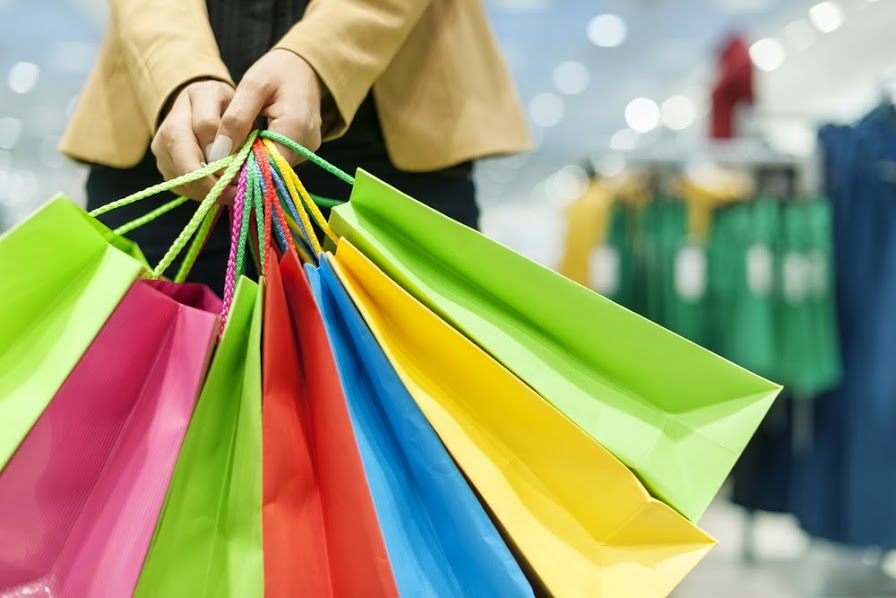 shutterstock_126762251-shopping